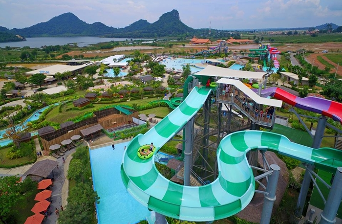 ECOCAR Car Rental Pattaya Four ACE Ramayana Water Park