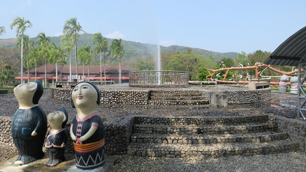 7 Attractions on Highway 107 by ECOCAR Car Rental Chiang Mai Pa Tueng Onsen
