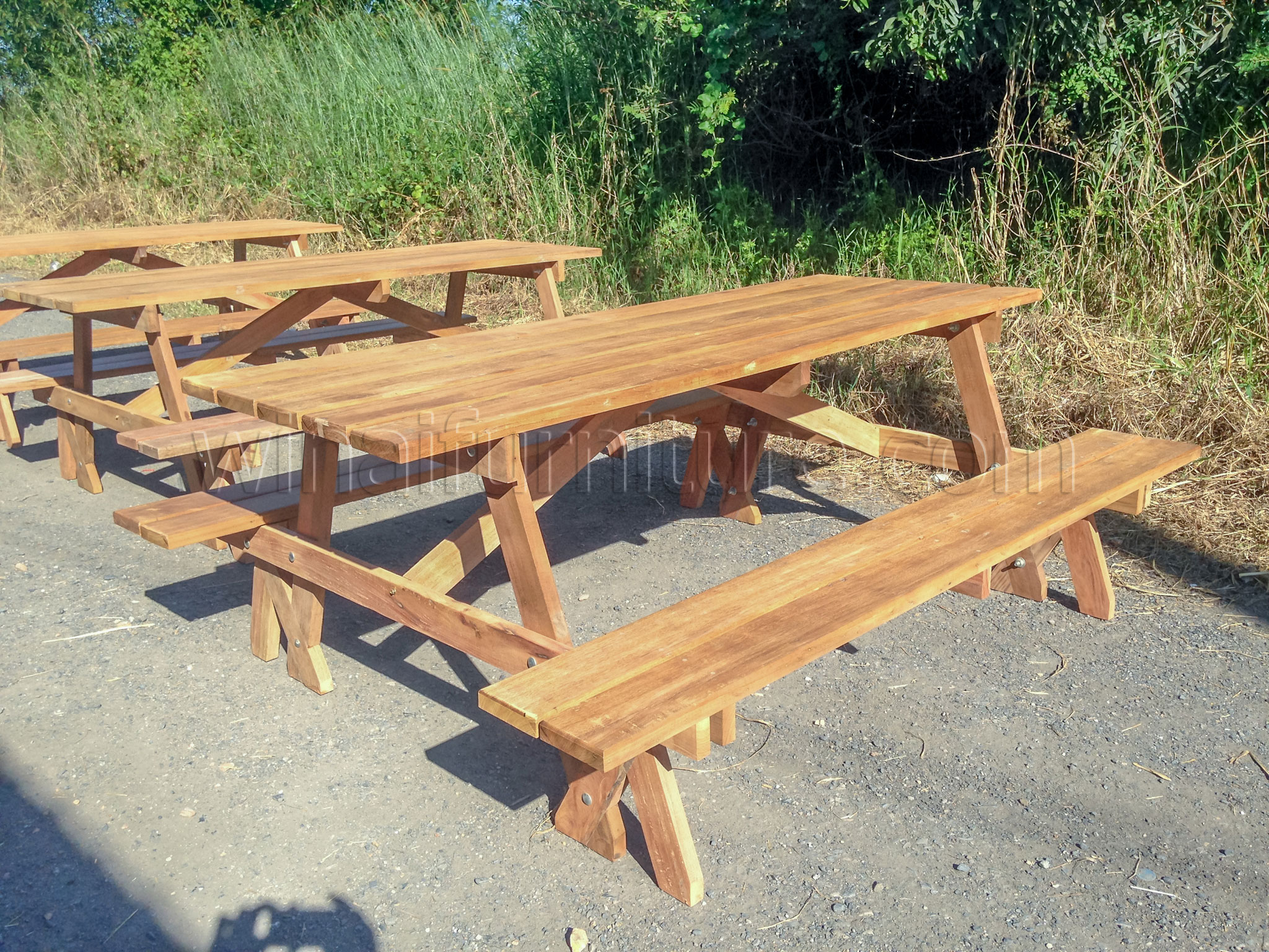 โต๊ะสนามขาไขว้,เก้าอี้สนามขาไขว้,โต๊ะโรงอาหารขาไขว้